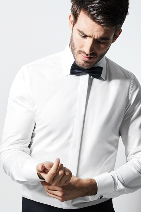 Mann in weißem Hemd und schwarzer Fliege von Haus der Mode in Wetzlar, Brautmodengeschäft Aschaffenburg